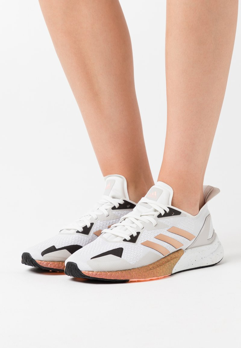 adidas Originals - X9000L3 BOOST SPORTS RUNNING SHOES - Joggesko - crystal white/copper metallic/clear black