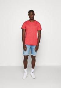 Tommy Jeans - ESSENTIAL JASPE TEE - Basic T-shirt - deep crimson - 1