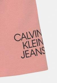 Calvin Klein Jeans - HYBRID LOGO - Mini skirt - pink - 2