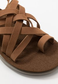Teva - VOYA STRAPPY WOMENS - Outdoorsandalen - chipmunk - 5
