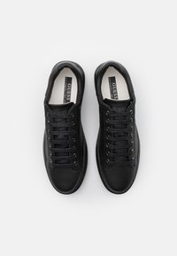Guess - SALERNO ECO - Sneakers basse - black - 3