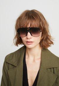 Gucci - Okulary przeciwsłoneczne - black - 3