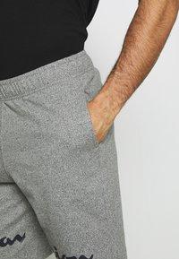 Champion - BIG LOGO BERMUDA - Pantalón corto de deporte - grey - 3