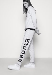 Études - TEMPERA UNISEX - Pantaloni sportivi - heather grey - 4