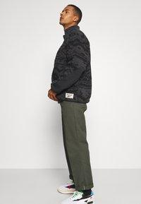 Reebok Classic - Summer jacket - black - 3