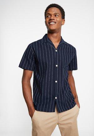 STRIPED RESORT SHIRT - Košile - dark blue