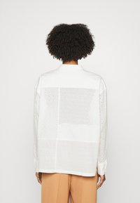 CLOSED - KARLA - Button-down blouse - offwhite - 2