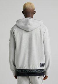 Bershka - Lehká bunda - light grey - 2