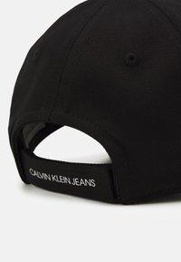 Calvin Klein Jeans - MONOGRAM BASEBALL UNISEX - Kšiltovka - black - 3