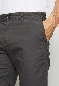 TOM TAILOR - Shorts - tarmac grey - 3