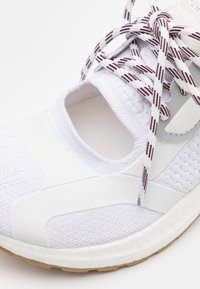 adidas by Stella McCartney - ASMC ULTRABOOST - Zapatillas de running neutras - footwear white/offwhite/cloud white - 5