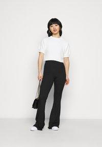 Missguided Petite - CHENILLE  - Print T-shirt - white - 1