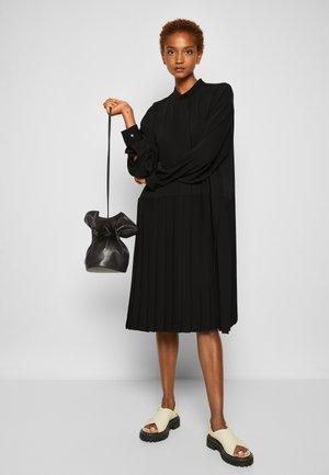 VASE BAG - Across body bag - black