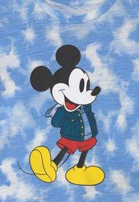 GAP - TODDLER BOY MICKEY MOUSE - Print T-shirt - blue - 2