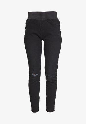 SHANTAL - Slim fit jeans - black