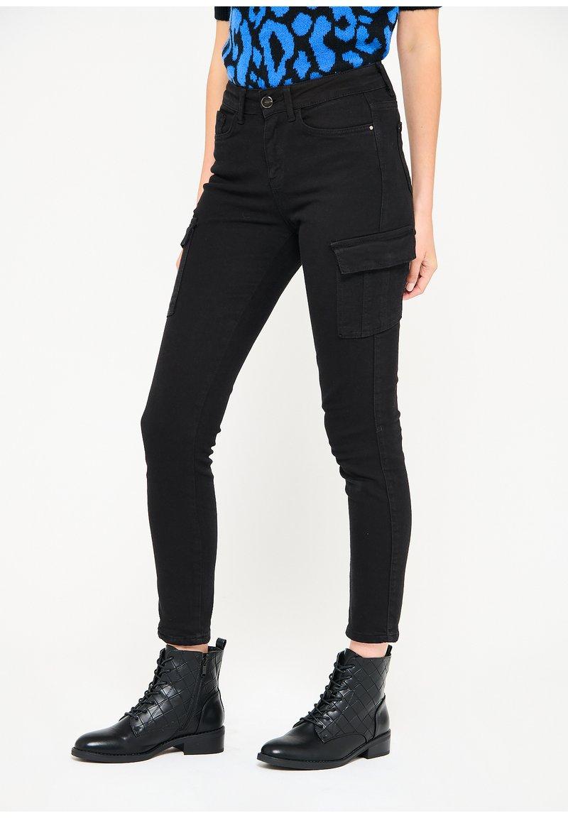 LolaLiza - Slim fit jeans - black