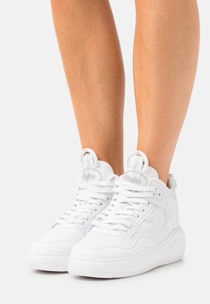VEGAN FLAT MID - Matalavartiset tennarit - white