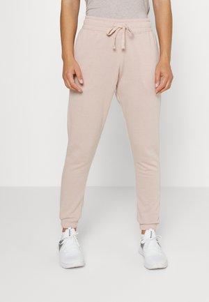 LIFESTYLE GYM TRACKPANT - Pantalon de survêtement - oyster pink