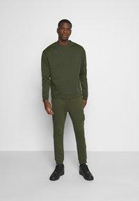 Nominal - COMBAT CREW - Sweatshirts - khaki - 1