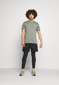 The North Face - CLASS V BELTED - Outdoor shorts - black/mustard yellow - 1
