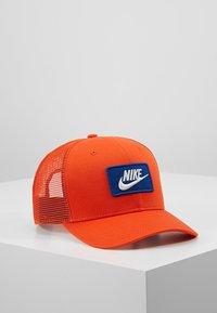 Nike Sportswear - TRUCKER - Cap - team orange - 0