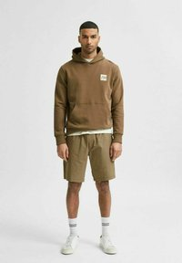 Selected Homme - Shorts - capers - 1