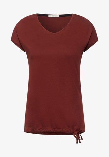 MIT SMOK-DETAILS - Basic T-shirt - braun