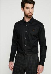 Farah Tailoring - HANDFORD SLIM FIT - Formal shirt - black - 0