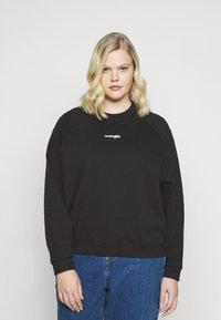 Wrangler Plus - RETRO RAGLAN - Sweater - faded black - 0