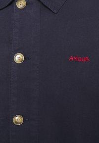 Maison Labiche - WORKER JACKET AMOUR - Giacca di jeans - carbon blue - 2