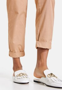 Taifun - Trousers - warm sand - 2