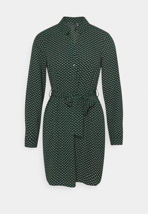 VMBOA SHORT DRESS - Skjortekjole - pine grove