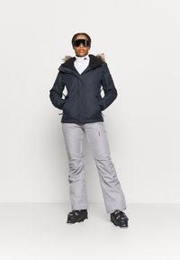 Roxy - JET SKI SOLID - Snowboard jacket - true black - 1