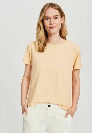 SEMBRO ROS - Basic T-shirt - melba