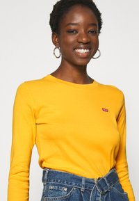 Levi's® - BABY TEE - Long sleeved top - gold coast - 3