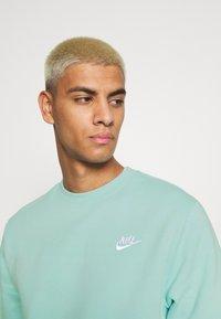 Nike Sportswear - Sweatshirt - light dew/white - 3