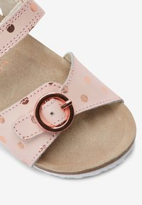 Next - GOLD GLITTER CORKBED BUCKLE - Baby shoes - light pink - 3