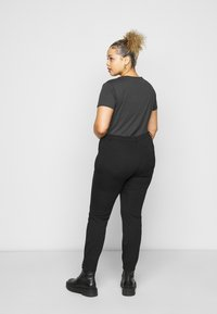 Even&Odd Curvy - 5 pockets PUNTO trousers - Trousers - black - 2