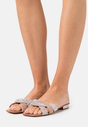 COREDITH - Sandaler - bone