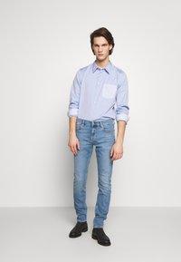 PS Paul Smith - TAILORED FIT - Košile - light blue - 1