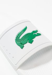 Lacoste - CROCO SLIDE - Pool slides - white - 5