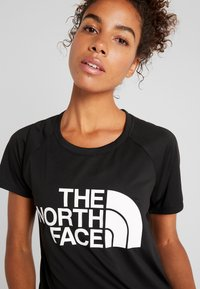 The North Face - WOMENS GRAPHIC PLAY HARD  - T-shirts print - black/white - 4