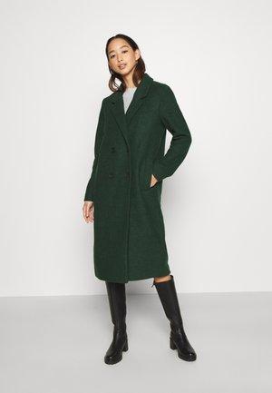 LOU COAT - Zimní kabát - green