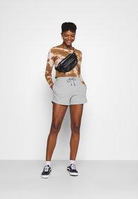 Nike Sportswear - Szorty - grey - 1