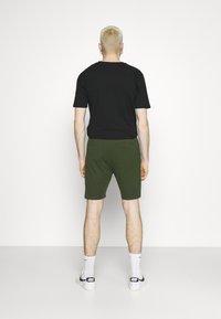 Newport Bay Sailing Club - BOAT 2 PACK - Shorts - navy/off white - 2