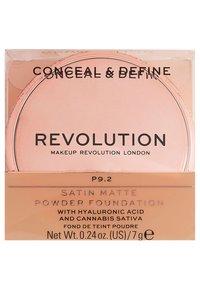 Make up Revolution - CONCEAL & DEFINE POWDER FOUNDATION - Foundation - p9.2 - 3