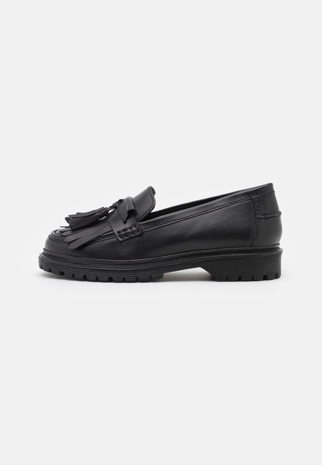 FRINGE LOAFER - Slippers - black