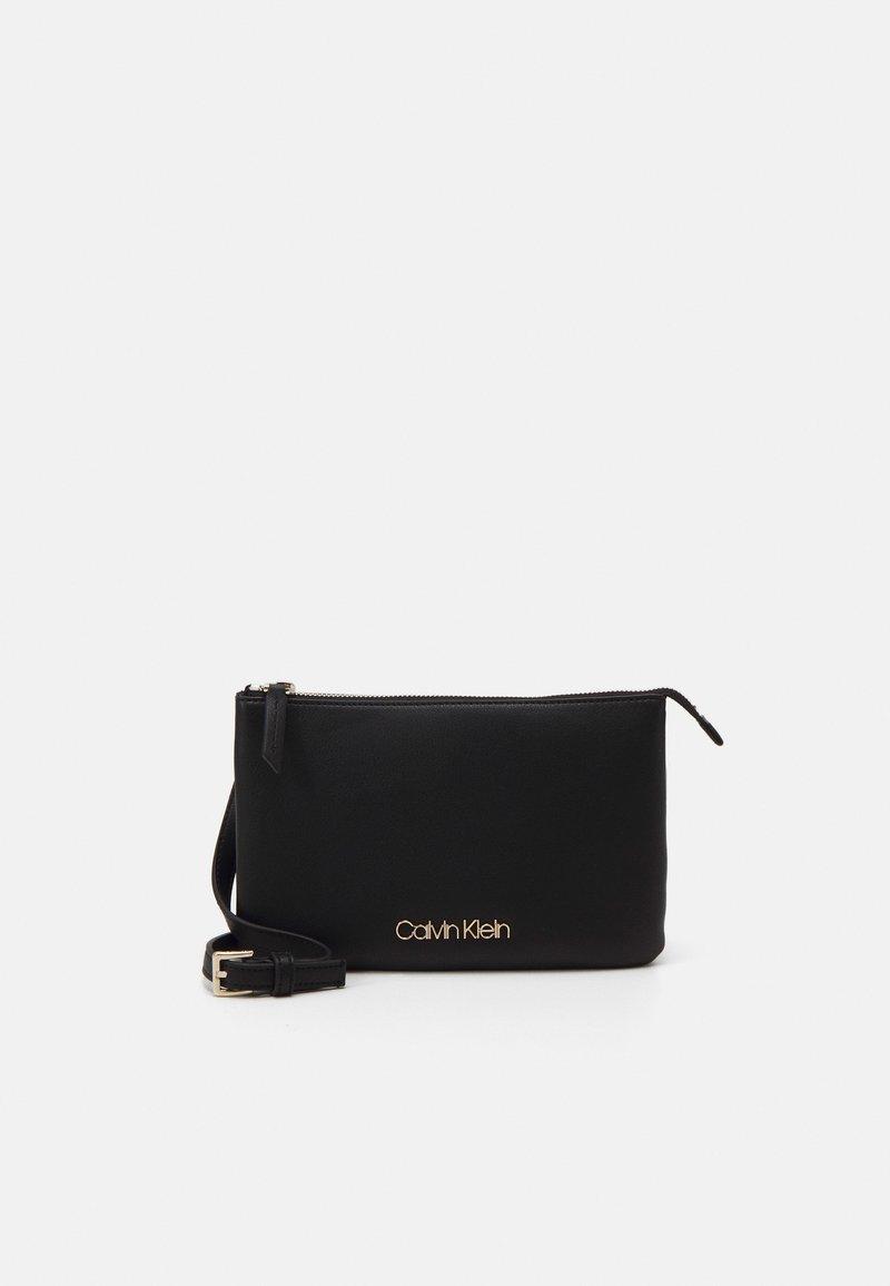 Calvin Klein - CROSSBODY DOUBLE - Skulderveske - black