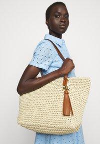 Lauren Ralph Lauren - CROCHET TOTE - Handbag - natural - 1