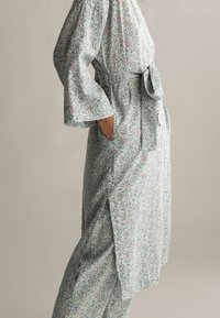 OYSHO - Dressing gown - green - 2